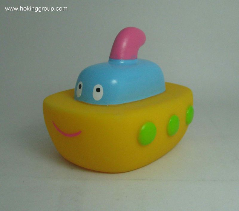 bath toy of ship,ship,squirter ship